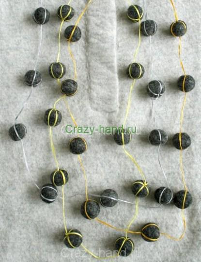 felt-ball-necklaces-3-425