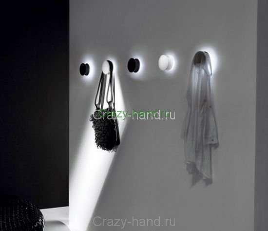 alone-wall-hook-light